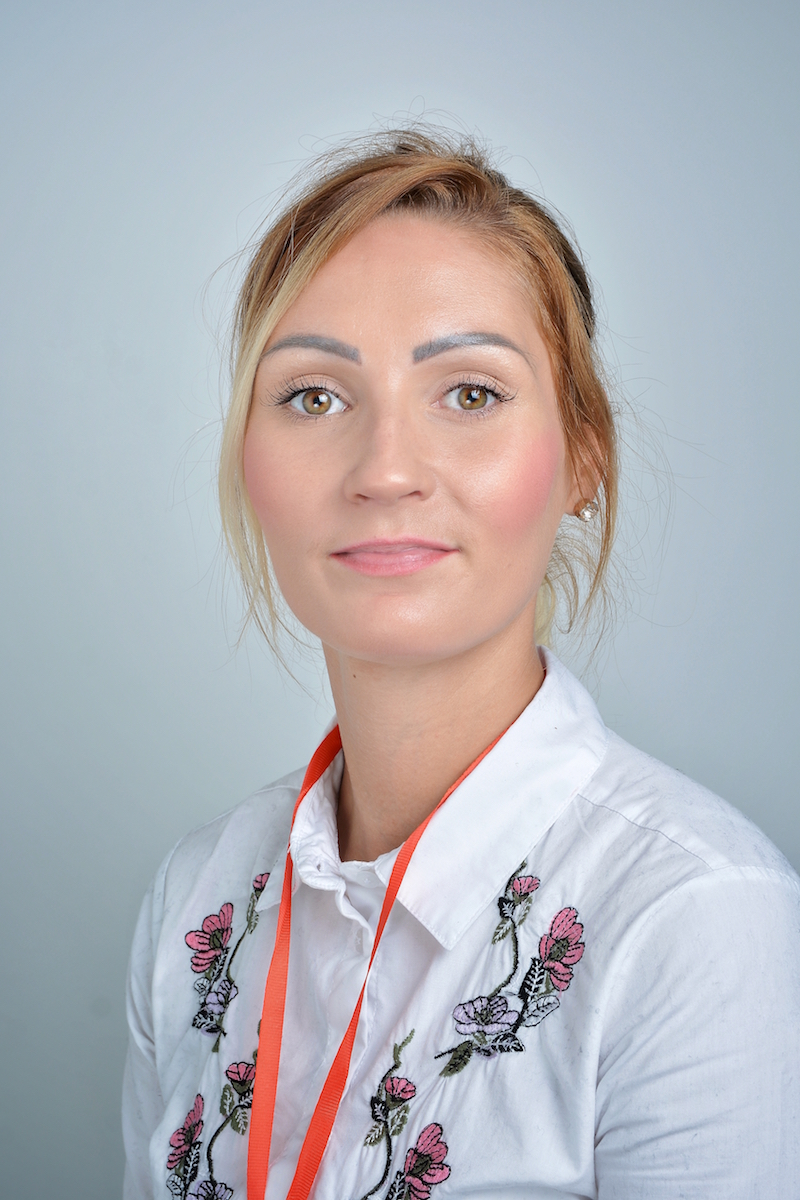 Anika Płaczek : Asystent