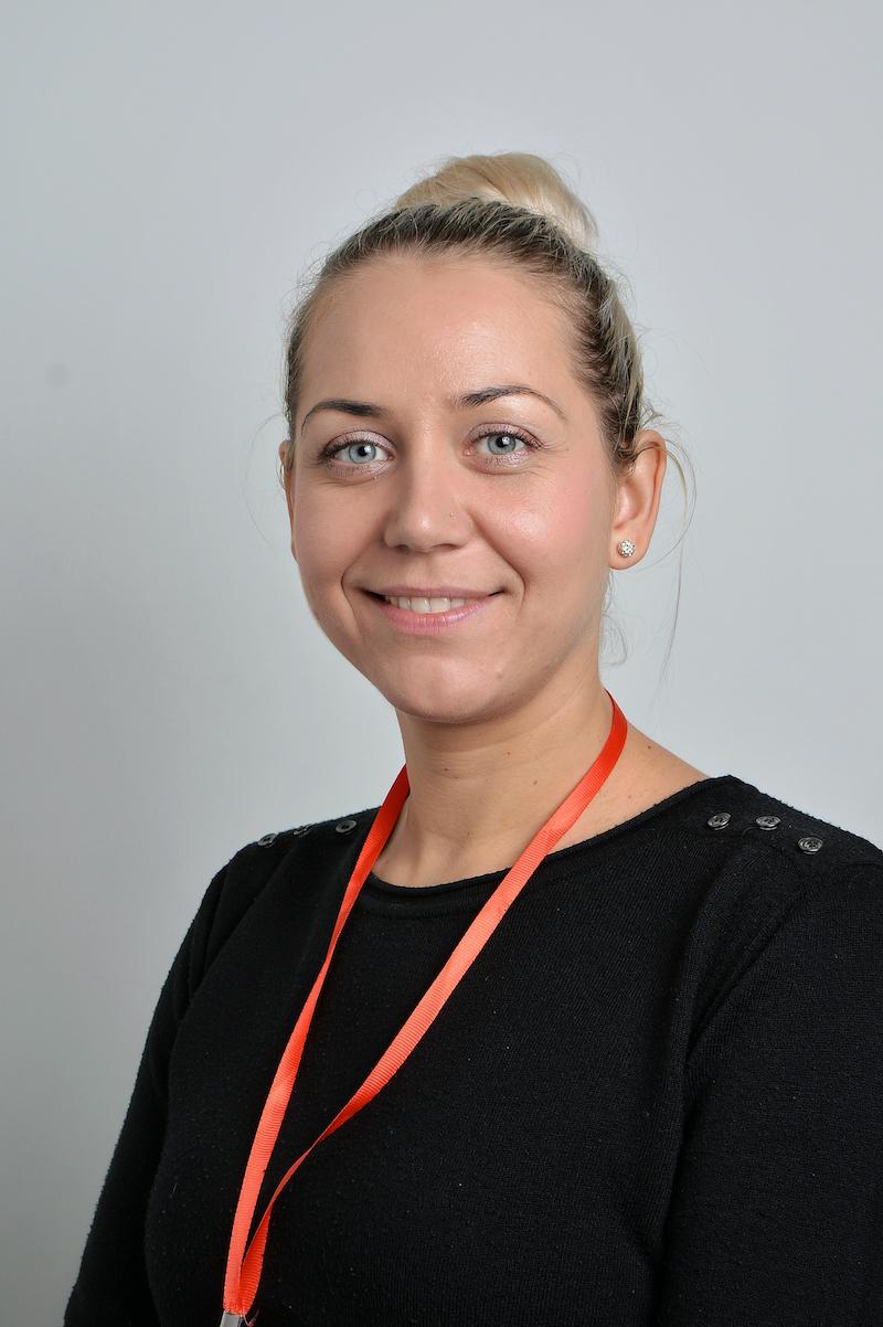 Karolina Bartosiewicz : Asystent