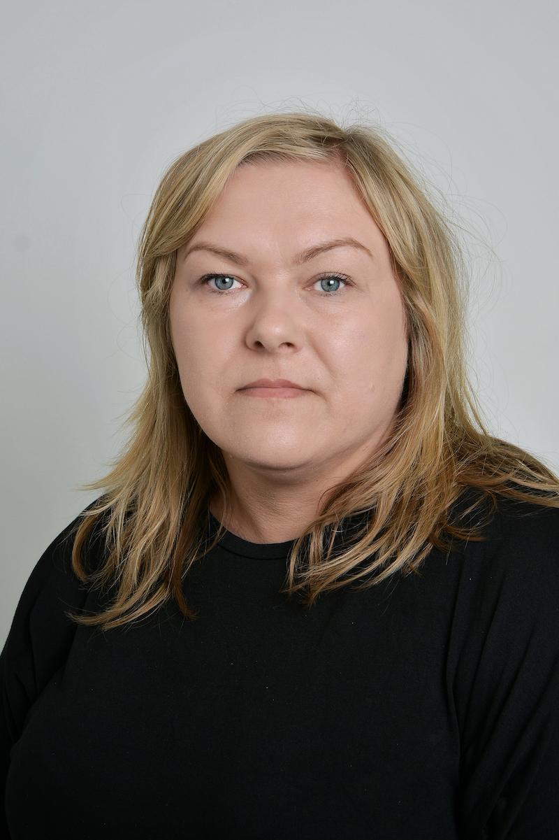 Małgorzata Czernecka : Asystent